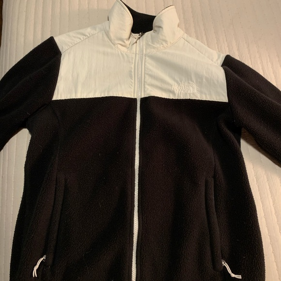 The North Face Jackets & Blazers - North face zip up
